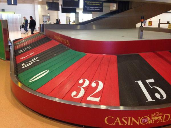 Casino-di-Venezia-street-marketing-Aeroport