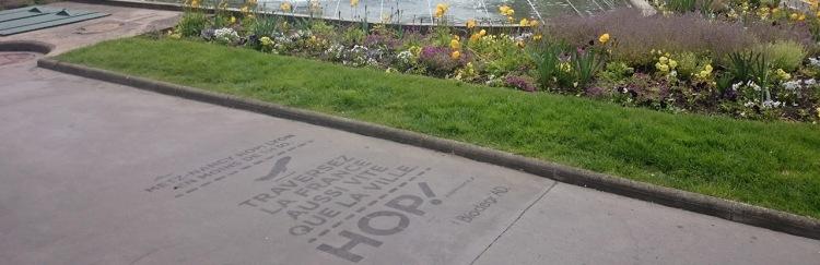 TRAMWAY-LYON-biodegrad-street-marketing-marquage-trottoir